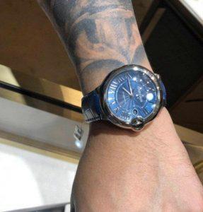 Suisses montres d'imitation ont l'air frais.