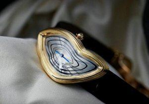 Suisses montres de réplication sont inhabituelles dans la forme.